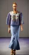 Barge Ramos Semana de Moda Primavera 2013 en New York #SemanaModa #Moda #AltaModa #Estilo #BargeRamos #Modelos #Disenador #Diseno #Mujer #Conjunto #Falda #Larga #Blusa #Tul #Transparente #Detalle #Flores #Azul