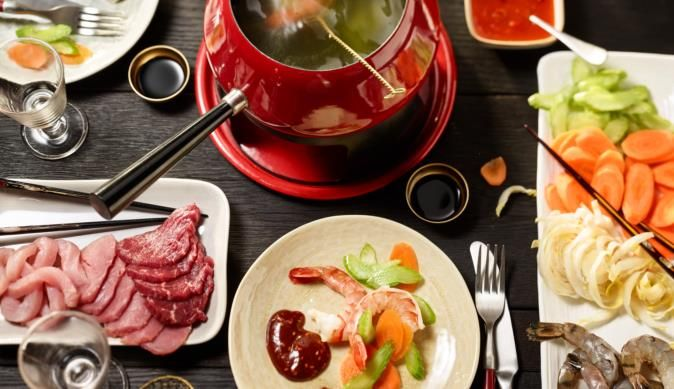die besten 25 chinesisches fondue ideen auf pinterest fondue so en raclette rezepte. Black Bedroom Furniture Sets. Home Design Ideas