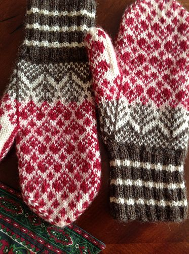Ravelry: stitchley's More hearts!