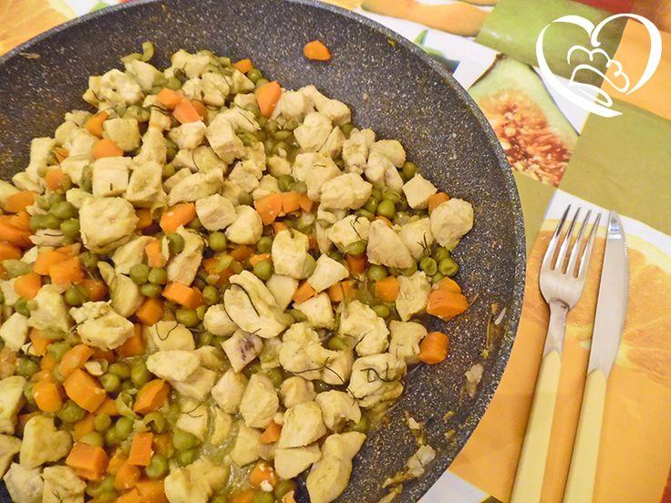 Spezzatino Indiano pollo al curry,piselli e carote http://www.cuocaperpassione.it/ricetta/43231f4c-9f72-6375-b10c-ff0000780917/Spezzatino_di_pollo_indiano_con_carote_e_piselli