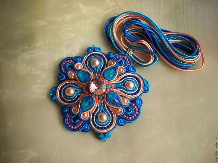 Купить Комплект сутажный кулон и серьги Молодая Виктория - синий, васильковый, голубой, персиковый, бежевый