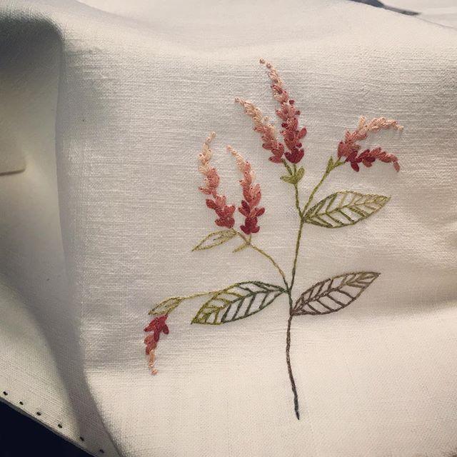 #embroidery #야생화자수 #프랑스자수 #노인장대#야생화#풀꽃#개인매트#무명