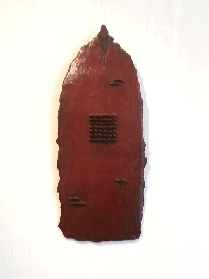 Ceramic wall object (29 x 69 cm) by Patty Schilder