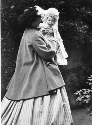 Princess Louise, Duchess of Argyll, with her nephew, Prince Albert Victor of Wales