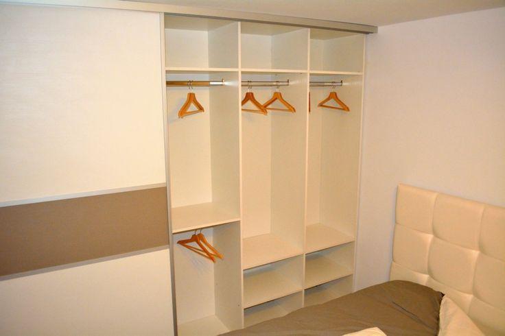 Mobila dormitor Dressing 2 usi Glisante Pal U727ST22 si W1000ST22 profil aluminiu si spatiu pentru depozitare haine lungi