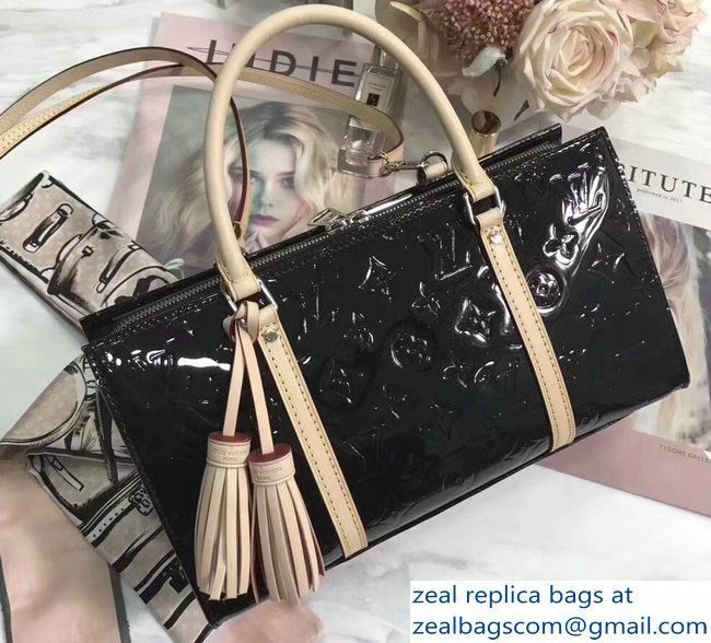 6b7ab93b0b23 Louis Vuitton Neo Triangle Bag Black 2018
