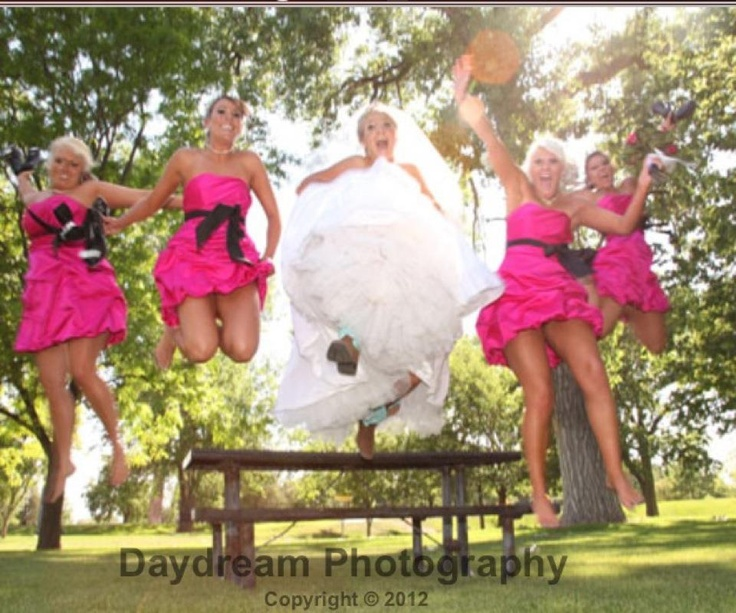 Great wedding picture idea!