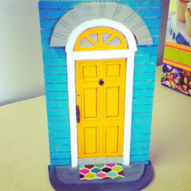 28 best images about dentist preschool ideas on pinterest for Tooth fairy door ideas