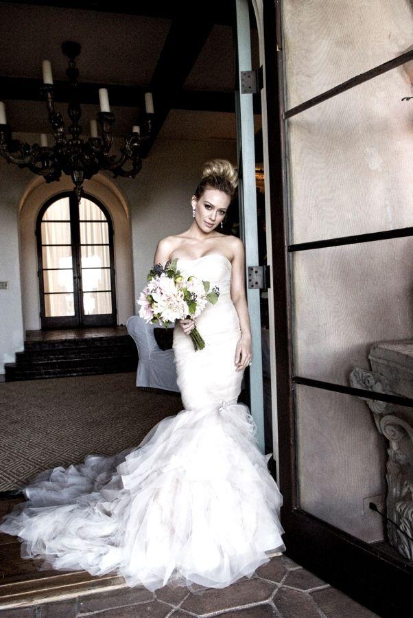 Confesso: o modelo Vera Wang usado por Hilary Duff ainda é um dos meus preferidos.