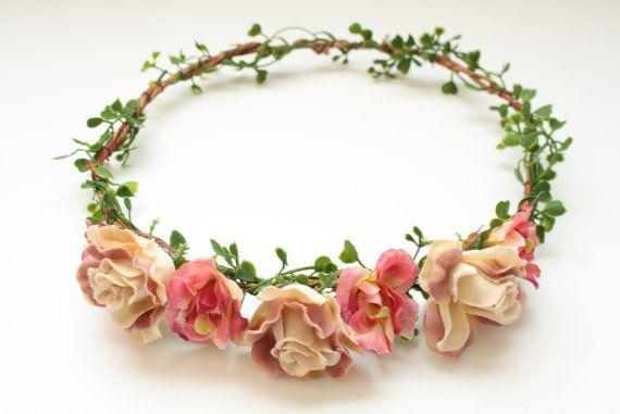 Rose fleur couronne accessoire de cheveux par PuffPieceAdornments, $38.00