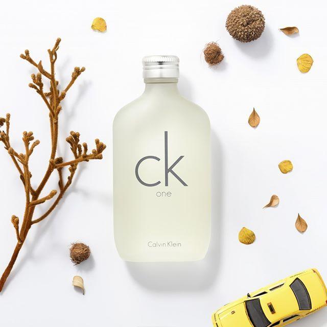 Confiança e autenticidade são essenciais para você alcançar seus objetivos. Feito para eles e elas, CK One da Calvin Klein. Compre perfumes internacionais na Renner em até 10x sem juros. Encontre no site: 519045301 #calvinklein #ckone #renner