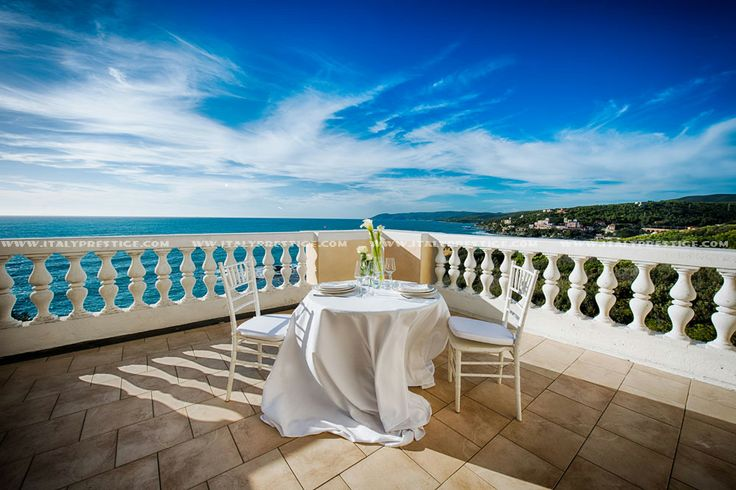 #wedding villa on the sea for #italy #wedding exclusive rental with 21 bedrooms http://www.italyprestige.com/wedding/weddingvilla_tuscanysea/weddingvilla_tuscanysea.html