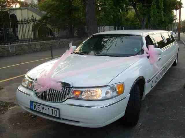 Tegye esküvőjét még különlegesebbé! Válasszon limuzinjaink közül!  http://luxlimo.hu/page/galeria/galeria-2008/eskuvo-3-limuzinnal-2008/