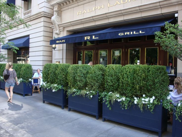 Outdoor patio at Ralph Lauren Restaurant in Chicago our favorite Spring and Summer lunch spot