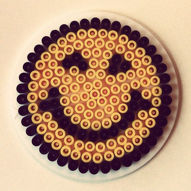 Smiley hama perler beads by annapouli perler beads pinterest perles repasser smileys et - Perle a repasser smiley ...