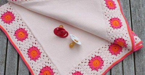 Motifli örgü bebek battaniye modeli