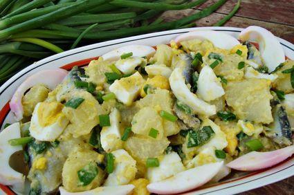 Salata de oua cu cartofi si hamsii