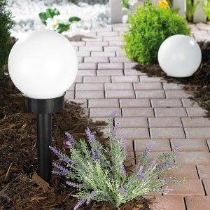 Stylowe oświetlenie ogrodu, które osiągniesz bez żadnego wysiłku!  #ogród #oświetlenie #lampy