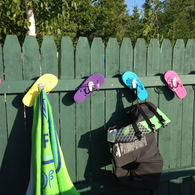 Pool Towel Sign With Hooks: Flip Flop Towel Hooks For Pool Or Lake