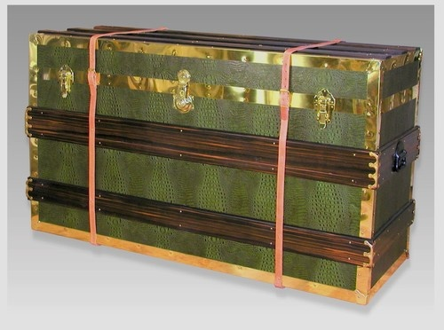 Steamer Trunk Plasma TV Pop-up Cabinet traditional media storage