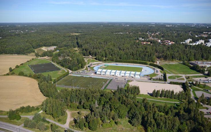 Näkymä Leppävaaran urheilupuistoon. Seikkailupuisto Huippu sijaitsee stadionin takana. lähde: Liikkuuko Espoo 13.2.2014 - Suur-Leppävaaran asukasfoorumi