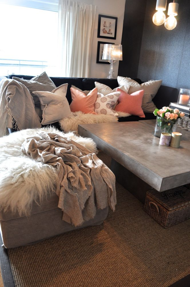 best 25 peach living rooms ideas on pinterest bedroom paint colors living room wall colors. Black Bedroom Furniture Sets. Home Design Ideas