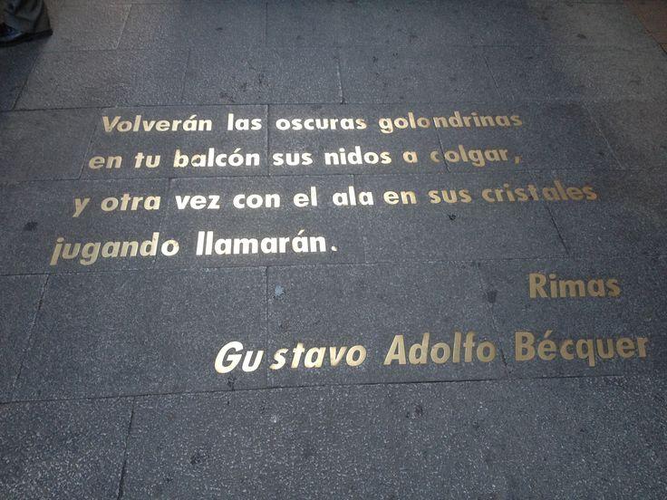 Barrio de las Letras en honor a los grandes escritores que vivieron aquí en el Siglo de Oro, como Calderón de la Barca, Lope de Vega, Tirso de Molina o Cervantes. / MNAD