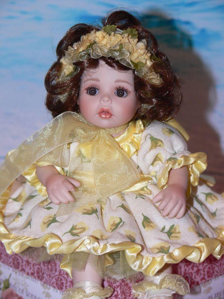 3300! Скидка! «Желтая Роза Техасса» Коллекция «Бутон розы» / Фарфоровые куклы / Шопик. Продать купить куклу / Бэйбики. Куклы фото. Одежда для кукол