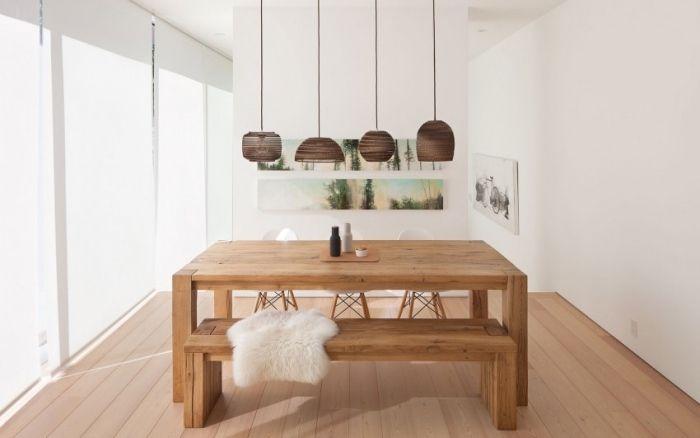 puristisches wohndesign-reduzierte möbel im essbereich-rustikaler esstisch und sitzbänke
