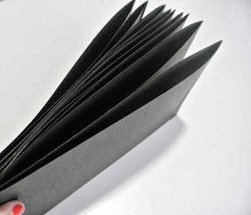 Oi, Tudo ariba? rsrs...   Trouxe um passo a passo sobre pasta sanfonada em cartonagem.   Fonte: Blog En Marcacion y Cartonnage          Mate...