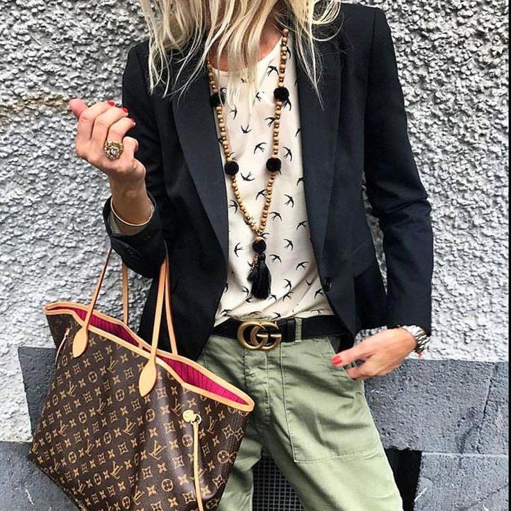 361 vind-ik-leuks, 1 reacties - modacomborogodo🎯 (@modacomborogodo) op Instagram: 'Noite da pizza🎯 @fashion_style_watcher @annamavridis #descolada #moda #fashion #lookdodia…'