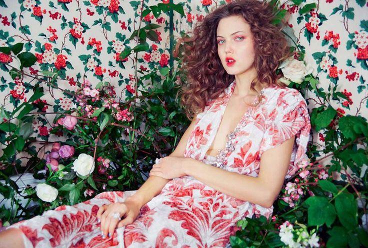 Линдси Виксон в майском Harper's Bazaar UK