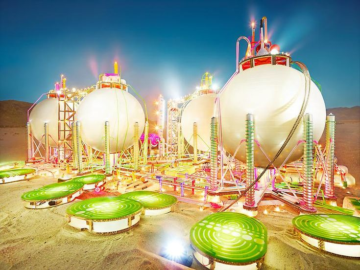 Raffinerie by David LaChapelle made of daily used objects
