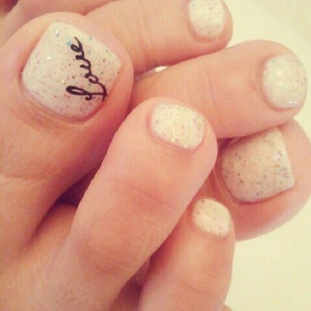 Script love on your toes! Wedding Pedicure #WeddingToes #WeddingNails