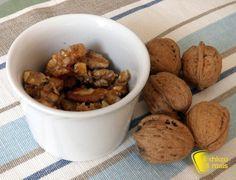 #Noci pralinate #ricetta #dolce per la #Befana il #chiccodimais #senzaglutine #recipe #glutenfree #candied #nuts #candy http://blog.giallozafferano.it/ilchiccodimais/noci-pralinate-ricetta-dolce-per-la-befana/