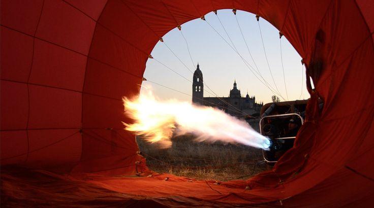 """Tu mirada es única y también lo es tu experiencia de vuelo en globo. Envíanos tu foto sobre """"Volar en globo"""" y participa para ganar otro vuelo con Siempre en las nubes."""