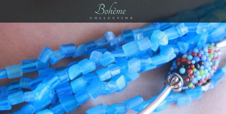 http://www.demoiselles-cherbourg.com/produit/marine-turquoise/ Très original, chic et moderne ce sautoir est monté sur du métal argenté tubulaire, intercalé de perles artisanales.La dominante de perle de cette belle pièce est essentiellement le bleu.  Perles du Cachemire  Perles cloisonnées  Perles artisanales peintes  Perles en céramique grecque 8mm  Perles en verre de bohème facetté  Perles trempées turquoise  Perles en métal argenté