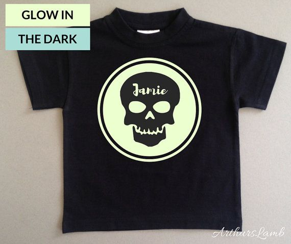 Skulls are everywhere now days, especially at Halloween and on the Day of the Dead!! And with this personalised Glow in the Dark Skull Iogo t-shirt you are sure to stand out!! So whether you are looking for a first Halloween costume, a Halloween gift or even a Dia de Muertos outfit, this shirt personalised with any name will be a much loved addition to the celebrations!!  When ordering, please note the name required in Comments to Seller box during checkout.  I only use t-shirts made from…