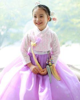 Korean traditional costume 한복 Hanbok.