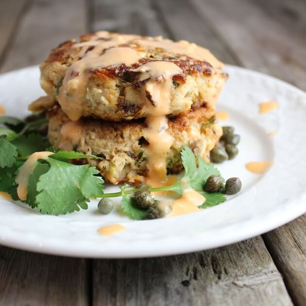 Tuna Cakes with Jalapeño and Cilantro - low carb, low calorie, with tons of flavor!