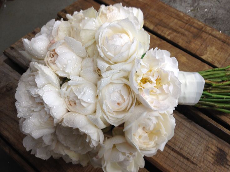 best 20 david austin bouquet ideas on pinterest veronica bridesmaid flowers peach peonies. Black Bedroom Furniture Sets. Home Design Ideas
