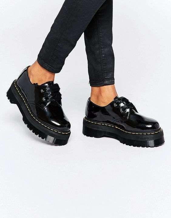 7742e831dba Zapatos planos con plataforma  Los mejores modelos - Zapatos negros de  plataforma