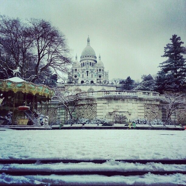 Beautiful picture of the Sacre Coeur under snow