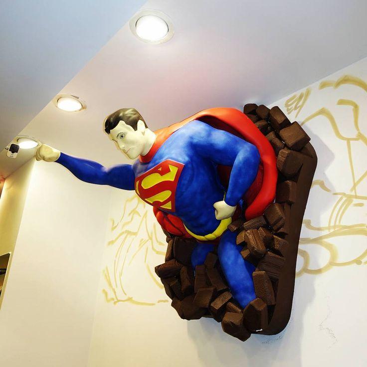 Фигура из пенопласта, супермен, супергерой, комиксы, цифра, день рождение, идея, оформление праздников, оформление витрины