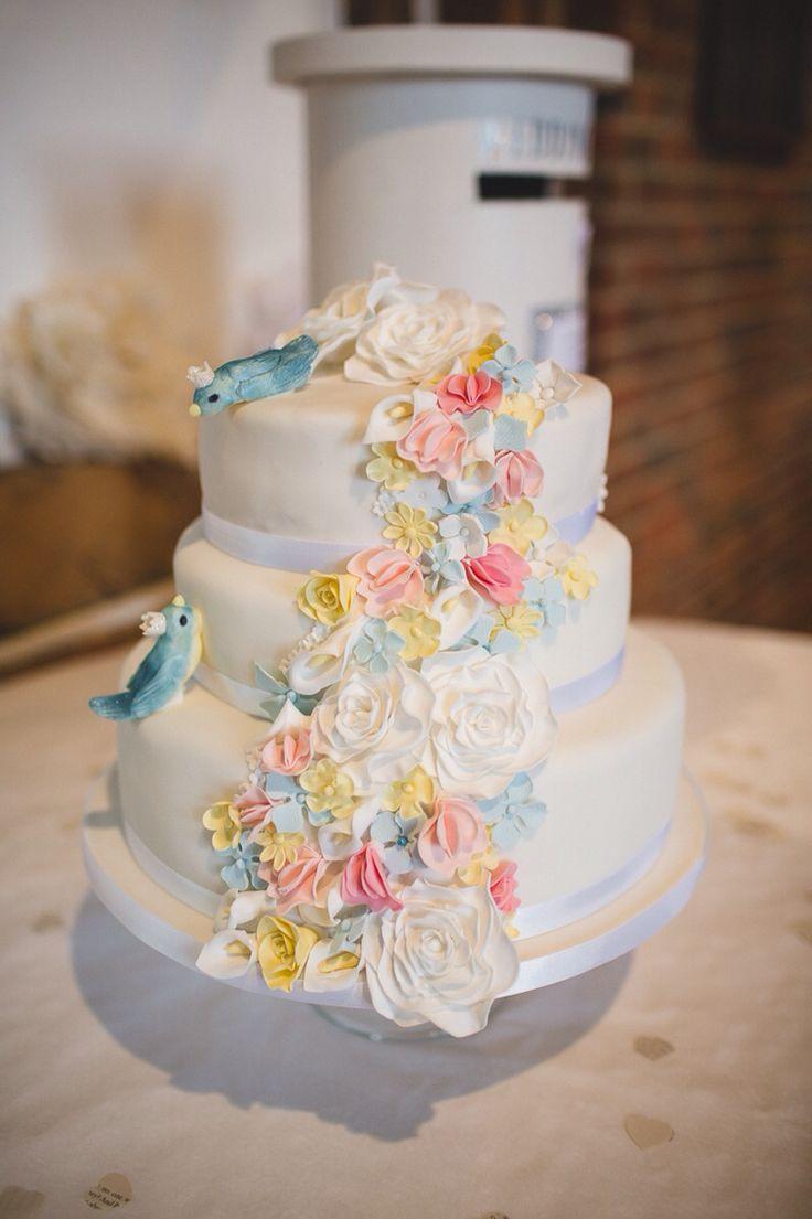 Wedding cakes heckmondwike