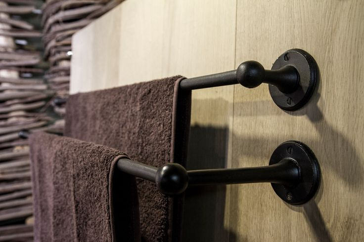 Dauby - Pure Plus: Round towel holder with short and long brackets aged iron, also available in white bronze ** www.dauby.be **
