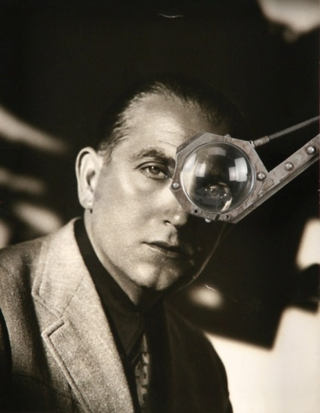 Fritz Lang. One of the greatest directors of the 20th Century. Metropolis, The Testament of Dr. Mabuse, M, Fury, You Only Live Once, Scarlet Street, Hangmen Also Die, Clash by Night, The Big Heat, and While the City Sleeps, among many more. Science Fiction, Suspense, and of course Film Noir might have existed without Lang but they would be less if they hadn't had his original, witty and slightly creepy vision. This early photo from his German career captures him perfectly.