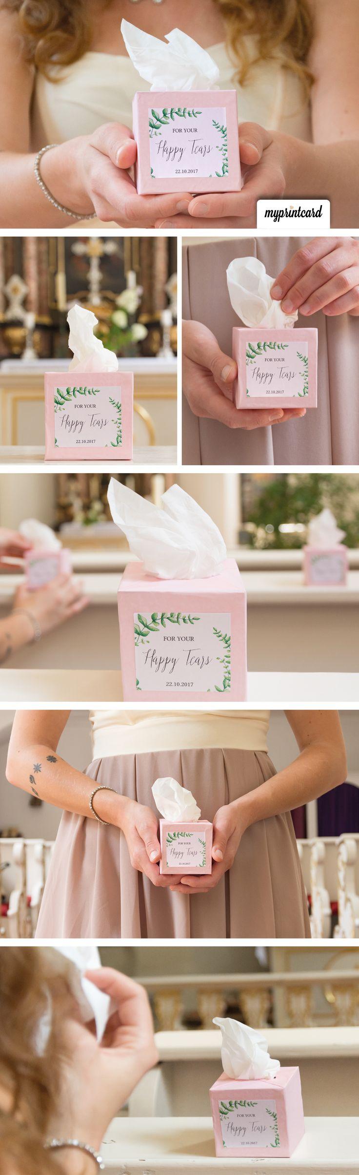 Bastelt jetzt Eure Freudentränen-Taschentücher in der Box. Im Magazin zeigen wir detailliert, wie es geht. #diy #anleitung #dekoration #tisch #tutorial #basteln #hochzeit #braut #bräutigam #selbermachen #handmade #tischdekoration #deko #gastgeschenk #freudentränen #box #heiraten