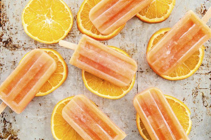 Das perfekte Orangen-Wassereis schnell und einfach selber machen-Rezept mit einfacher Schritt-für-Schritt-Anleitung: Bringen Sie das Wasser im Wasserkocher…