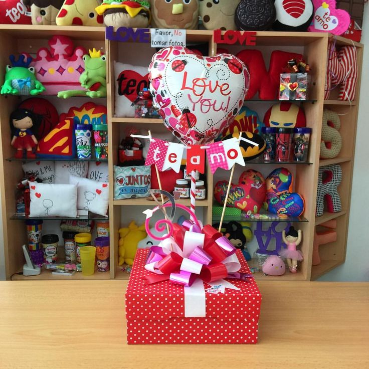 Joliandgift regalos con globos y peluches pinterest for Cajas de carton decoradas para regalos